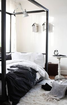 #black #white #gray I am loving the low-ness of this bed and the classic black and white combo <3 And that old school alarm clock. Be mine.