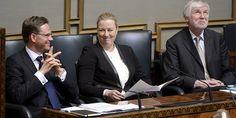 Kansanedustaja Toimi Kankaanniemi muistutti ryhmäpuheessaan edellisen hallituskauden hurjasta tuhlaamisesta. Vaikka valtio myi omaisuuttaan miljardeilla, v