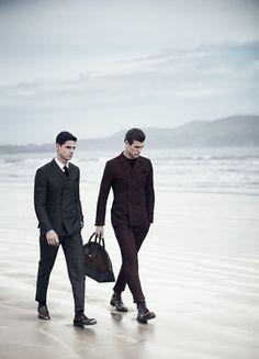 Il mare d'inverno ha sempre il suo fascino. Il nuovo talento della fotografia di moda Boo George, ha scelto il mare d'Irlanda come sfondo per la campagna invernale Emprio Armani.