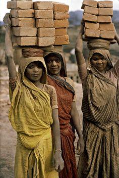 "High Quality Stock Photos of ""nepal"" Poverty Photography, Village Photography, Children Photography, Kids Around The World, People Around The World, Village Photos, Dehati Girl Photo, Divine Mother, Sad Art"