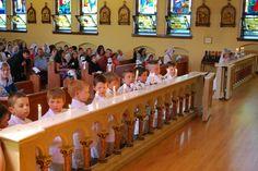 http://www.sspx.org/chapel_news/first_communions_usa_district_2011/mukwonago1.jpg