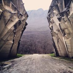 Stunning picture of a Yugoslavian spomenik, a monument for the Partisans fighting fascism.