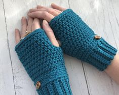 Crochet Phone Holder Easy and Quick Fingerless Gloves – Prims -N- Stitches Crochet Mittens Free Pattern, Fingerless Gloves Crochet Pattern, Crotchet Patterns, Fingerless Mittens, Knitting Patterns, Crochet Hats, Knitting Tutorials, Hat Patterns, Loom Knitting