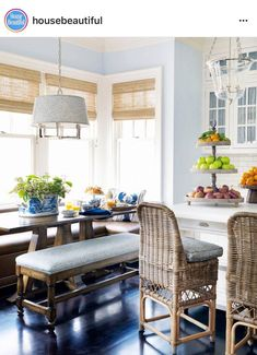 I love the idea of a breakfast nook! It feels so casual and homey yet it's just different enough to really add that special design element to your kitchen. I would love to gather our family around any of these tables for breakfast every morning! Home Living, Coastal Living, Living Rooms, Style At Home, Beautiful Kitchens, Beautiful Homes, House Beautiful, Beautiful Houses Interior, Home Interior