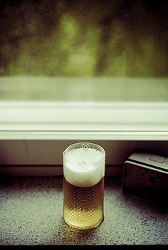 beer glass Homemade Beer, How To Make Beer, Beer Brewing, Beer Lovers, Pint Glass, Mugs, Glasses, Tableware, Design