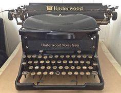 Dactylo antique. UNDERWOOD 1940 Canada