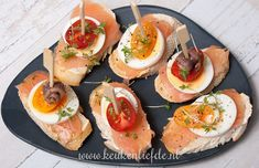 13 x toastsalade Healthy Appetizers, Healthy Snacks, Healthy Recipes, Bruchetta, Healthy Comfort Food, High Tea, Cheap Meals, Food Festival, Party Snacks