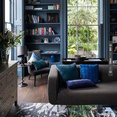 trendy home living room design salons Dark Living Rooms, Living Room Paint, Home And Living, Living Room Decor, Living Spaces, Living Walls, Cozy Living, Small Living, Modern Living
