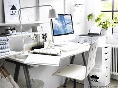 Inspirația nu cere multe. Uneori un birou curat, un scaun comod și multă lumină e tot ce trebuie http://www.IKEA.com/ro/ro/catalog/products/S69857764/