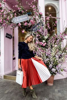 Ted's Guide to London: Josie LDN brings autumnal inspiration in Ted's colour-block pleated midi skirt at Peggy Porschen.