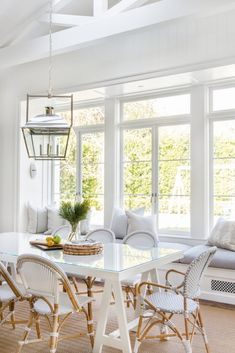 white dining room design with rattan dining room chairs and shiplap Gorgeous white & bright breakfast nook with coastal feel. Dining Nook, Dining Room Design, Dining Room Chairs, Dining Tables, Kitchen Dining, Living Comedor, Home Remodeling, Living Spaces, Small Living