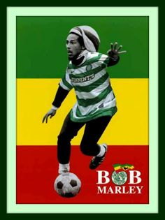 Cool pictures of Bob Marley playing football, or for you across the water, Soccer. The pictures capture Bob Marley playing in formal games, . Bob Marley Kunst, Bob Marley Art, Reggae Bob Marley, Bob Marley Quotes, Bob Marley Legend, Jean Miro, Bob Marley Pictures, Fc Nantes, Photos Rares