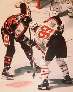 Wayne Gretzky and Mario Lemieux - NHL All-Star Game.Loved those old Campbell & Wales conference AS sweaters! Montreal Canadiens, Mtl Canadiens, Hockey Rules, Hockey Teams, Flyers Hockey, Funny Hockey, Hockey Stuff, Hockey Cards, Nhl All Star Game