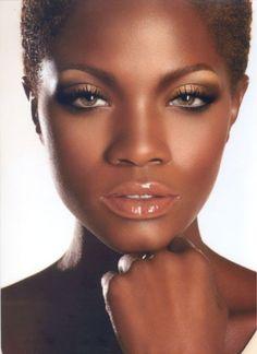 22 Beautiful Metallic Rose Gold Lipstick Ideas For Dark Skin Glam Makeup, Bridal Makeup, Makeup Tips, Eye Makeup, Hair Makeup, Wedding Makeup, Makeup Eyebrows, Sleek Makeup, Makeup Brands