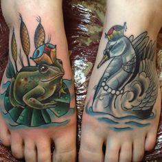 Frog Prince and Swan tattoo on the feet Animal Tattoos For Women, Tattoos For Women Small, Small Tattoos, Tattoos For Guys, Crazy Tattoos, True Tattoo, Tattoo You, Unique Tattoo Designs, Unique Tattoos