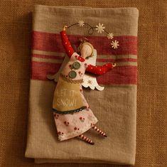 kitchentowelsandotherbowls Gisela Graham, Christmas Decorations, Holiday Decor, Let It Snow, Christmas Stockings, Decorating, Ornaments, Cute, Noel