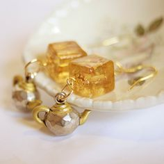 Tea For Two Earrings  yellow vintage glass cubes by DreamsCorner, €22.00