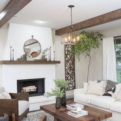 20 Fixer Upper Living Rooms - Joanna Gaines modern farmhouse style farmhouse living room with fireplace Diy Home Decor Bedroom For Teens, Diy Home Decor Rustic, Country Farmhouse Decor, Modern Farmhouse Style, Farmhouse Style Decorating, Country Chic, French Farmhouse, Farmhouse Chic, Farmhouse Fireplace
