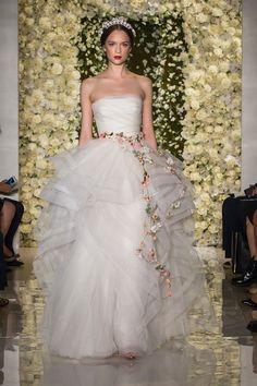 Reem Acra Fall 2015, http://ruffledblog.com/reem-acra-fall-2015-wedding-fashion #weddingdress #bridal #fashion