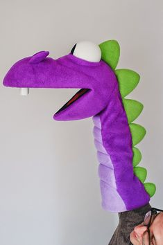Dragon Puppet built for Wicked Marketing Services This was a quick, two-week project I did for Wicked Marketing Services in Georgi. Sock Puppets, Shadow Puppets, Hand Puppets, Sock Toys, Felt Toys, Diy For Kids, Crafts For Kids, Dragon Puppet, Puppet Patterns