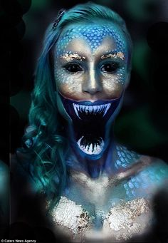 Make-up artist spends EIGHT hours turning herself into monsters Emily Anderson spends up to eight hours at a time disguising herself as characters from her favourite films using body paint and cosmetics. Emily Anderson, Body Makeup, Makeup Art, Anime Festival, Maquillage Normal, Scary Mermaid, Beauty And The Beast Diy, Futuristic Makeup, Monster Makeup