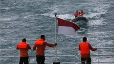 AirAsia QZ8501: Search efforts to find flight data recorders resume.