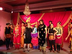 President Mary Sue Coleman's last dinner in India was hosted by Sanjay Reddy. A vibrant dance performance entertained the diners!