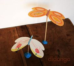 Jugar con una mariposa equilibrista · Didongo Teaching Art, Teaching Ideas, Crafts For Kids, Crafting, Butterfly, Craft Ideas, Cool Stuff, Toys, Paper