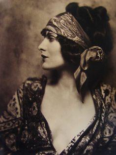 Evelyn Brent circa 1928