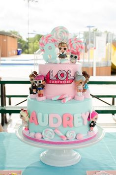 Doll Birthday Cake, Funny Birthday Cakes, 6th Birthday Parties, 30th Birthday, Birthday Ideas, Fete Marie, Surprise Cake, Surprise Ideas, Surprise Birthday