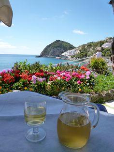 """Pranzo, Giardini Termali di  """"Miramare Sea Resort & Spa"""" (Hotel), Sant'Angelo, Isola Ischia,Italia (Maggio)"""
