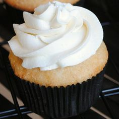 Champagne Cupcakes & Champagne Buttercream Icing  Recipe