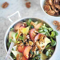 Warm chantarelle salad