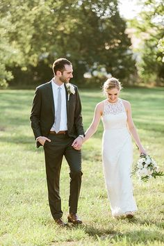 Elegant Garden wedding J Crew Wedding Dress Intimate Wedding Sarah Sidwell Photography is located in Franklin Tn and serves the Nashville area