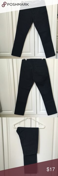 Zara Man Casual Navy Pants These Zara Man basic trousers come in a straight cut and a navy color. They are perfect for everyday wear if you want to step it up from jeans. They are very comfortable and look neat. The pockets on the back have a washed-out design. Zara Pants