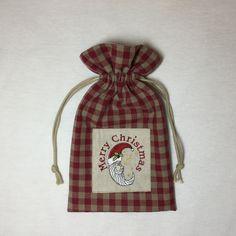 SAC DE NOEL VICHY ROUGE/FICELLE EN LIN ET COTON AVEC BRODERIE PÈRE NOEL LUNE : Autres sacs par marsanna-creations-broderies