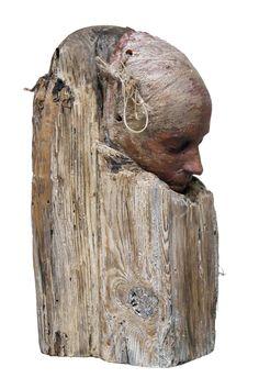 La serie Golem de Joaquin Jara consistió en intervenciones urbanas mediante esculturas de gran carga matérica al ser fabricadas con desechos orgánicos producidos por la misma ciudad (...)