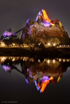 LOVED this ride! Expedition Everest, Animal Kingdom, Walt Disney World, Orlando. Disney Vacations, Disney Trips, Disney Parks, Dream Vacations, Walt Disney World, Animal Kingdom, Water Reflections, Jolie Photo, To Infinity And Beyond