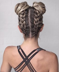 Say Hello To The New Instagram Trend Two Buns Hairstyle Hair - Bun hairstyle games
