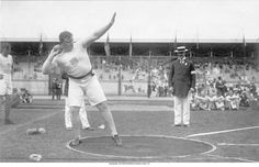 Olympics in Stockholm 1912-MACDONALD Patrick (USA) 1st.   So different!