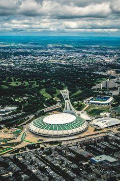Stade Olympique - Majestueux et symbole des années 70.