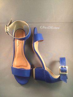 Sandália em couro com ankle strap