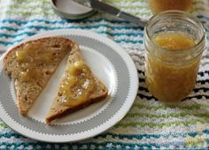 How To Make Banana Jam from Overripe Bananas. I would add brown sugar to give it a bananas foster taste. Gourmet Breakfast, Vegan Breakfast Recipes, Jam Recipes, Canning Recipes, Candy Recipes, Yummy Recipes, Recipies, Banana Jam, Overripe Bananas