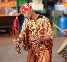 Gnawa rhythm of Marrakech Moroccan Art, Moroccan Theme, Moroccan Style, Marrakech, Tangier, Cultural Diversity, The Beautiful Country, African Countries, Le Far West
