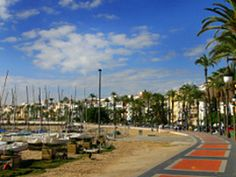 Visitors to Barcelona can have their urban sightseeing and big-city fun, with a little beach time thrown in on the side.