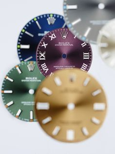 The Oyster Perpetual family offers a wide range of dials in attractive and sporty colours.