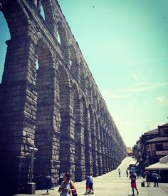 """Today we went to Segovia. The city with the aqueduct - or """"What have the Romans ever done for us? """" #Segovia #segoviaaqueduct #ratherimpressive #bloodyhottoday #whathavetheromanseverdoneforus #onlyanhouraway"""
