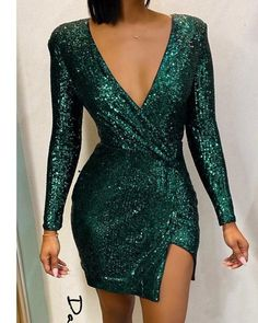 Glitter V-Neck Long Sleeve Slit Sequins Bodycon Dress Women's Best Online Shopping - Offering Huge Discounts on Dresses, Lingerie , Jumpsuits , Swimwear, Tops and More. Robe Bodycon, Dress Outfits, Fashion Dresses, Dress Robes, Cool Outfits, Casual Outfits, Green Long Sleeve Dress, Sexy Green Dress, Trend Fashion