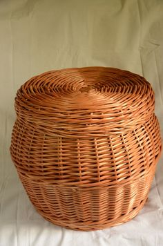 Handmade Wicker Storage Basket With Lid Laundry от WillowSouvenir