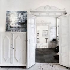 life as a moodboard: old charm in white and grey
